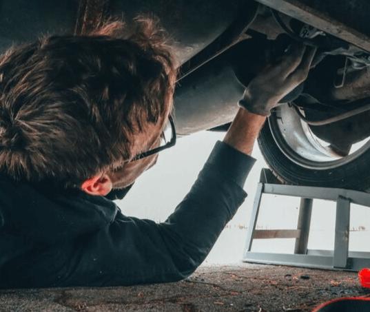 Duração da bateria automotiva e os 10 erros que mais afetam sua vida útil