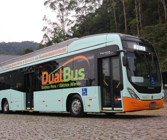 Moura apresenta bateria de lítio que equipará novo ônibus elétrico-híbrido 100% nacional