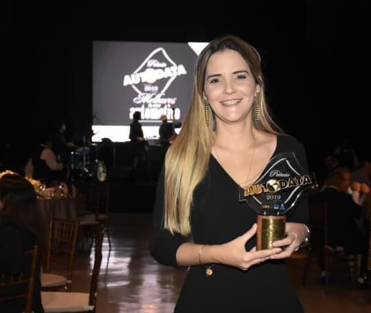 Moura é a vencedora do Prêmio AutoData 2019 em Comunicação & Marketing